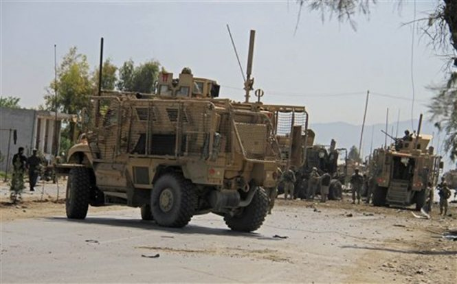 Taliban'dan ABD konvoyunda bomba yüklü araç saldırısı: '13 ABD askeri öldü'