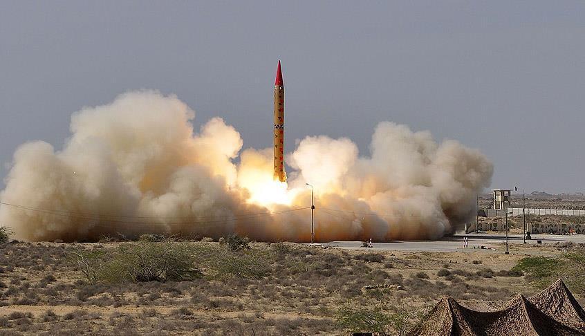 Kuzey Kore'den yeni füze denemesi: Japonya'nın üzerinden geçti