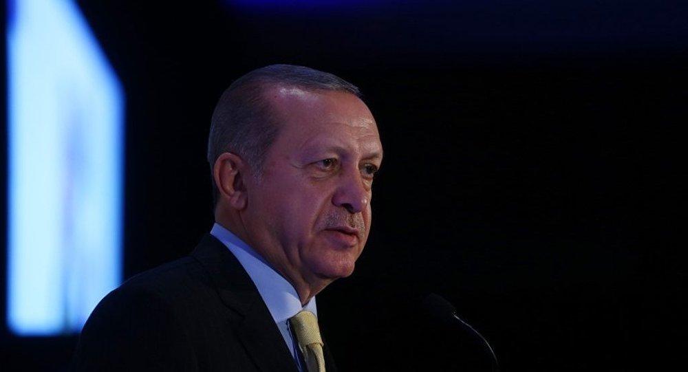 Erdoğan: Eğitim için Batı'ya gidenler ajan oluyor