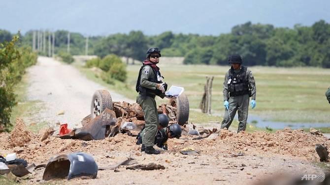 Tayland'da bombalı saldırı: 4 asker öldü