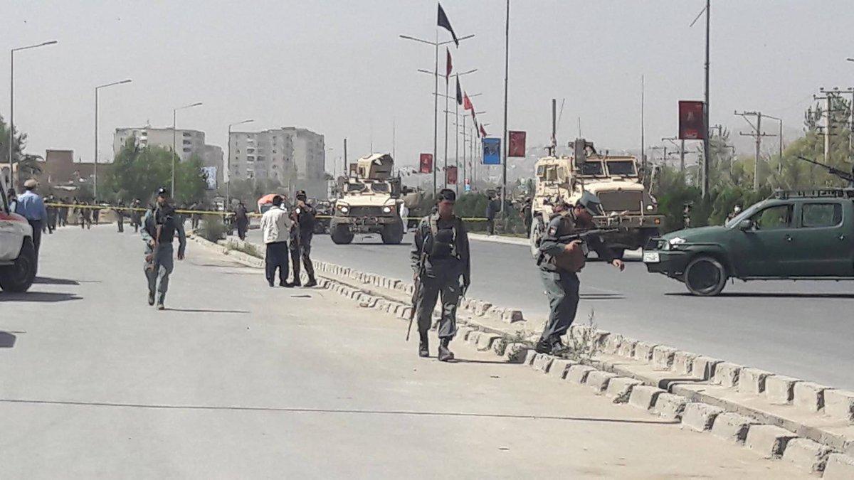 Taliban başkent Kabil'de NATO konvoyunu hedef aldı: 13 ölü ve yaralı