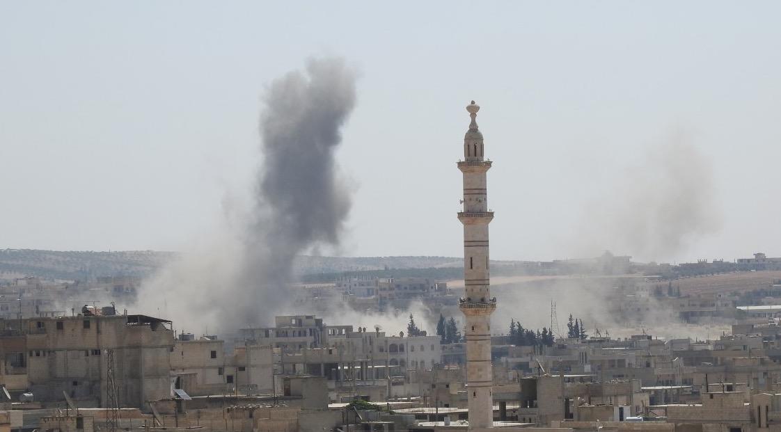 Rus uçakları 'çatışmasızlık bölgesi' İdlib'i vurmaya devam ediyor: En az 56 sivil öldü