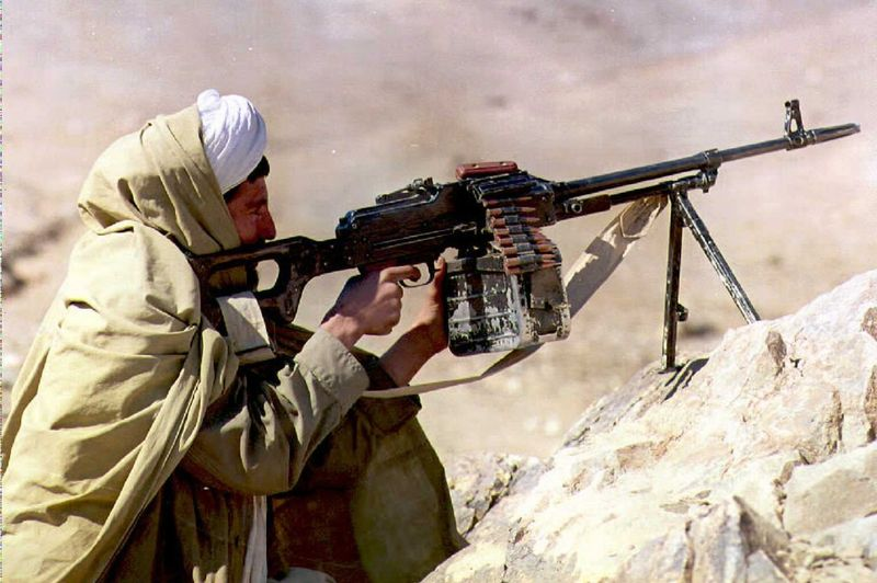 Afganistan'da Taliban saldırıları sürüyor: Birçok bölgeyi kontrol altına aldılar