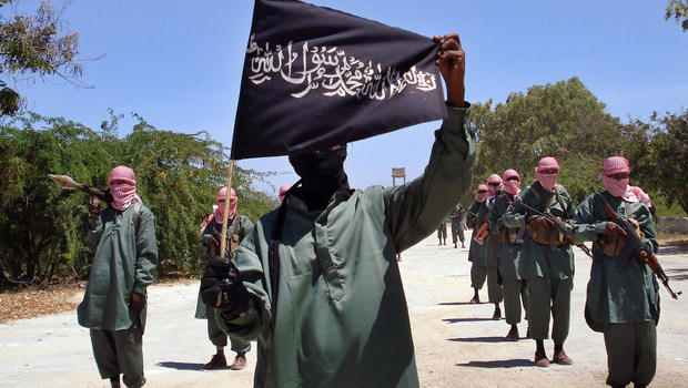 Eş Şebab askeri üsse saldırdı: 17 asker öldürüldü
