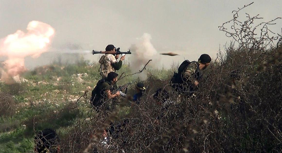 Muhalifler Suriye'nin güneyinde IŞİD'e karşı saldırı başlattı