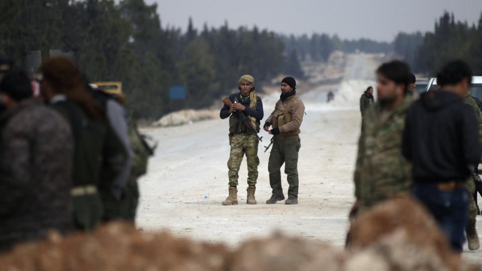 Fırat Kalkanı bölgesinde iç çatışma yayılıyor: En az 15 ölü