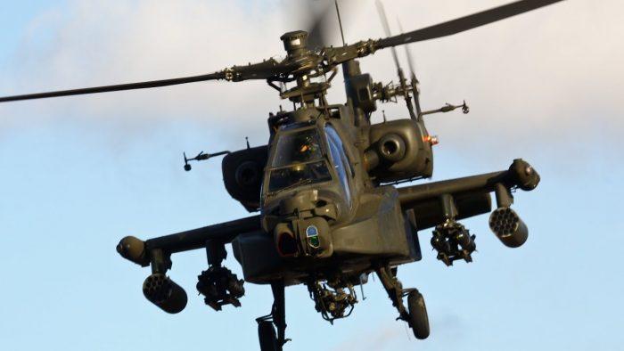 BAE bedel ödüyor: Yemen'de Apache helikopter düştü