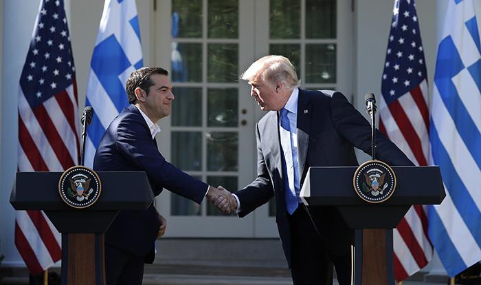Trump Yunan lidere övgüler yağdırdı