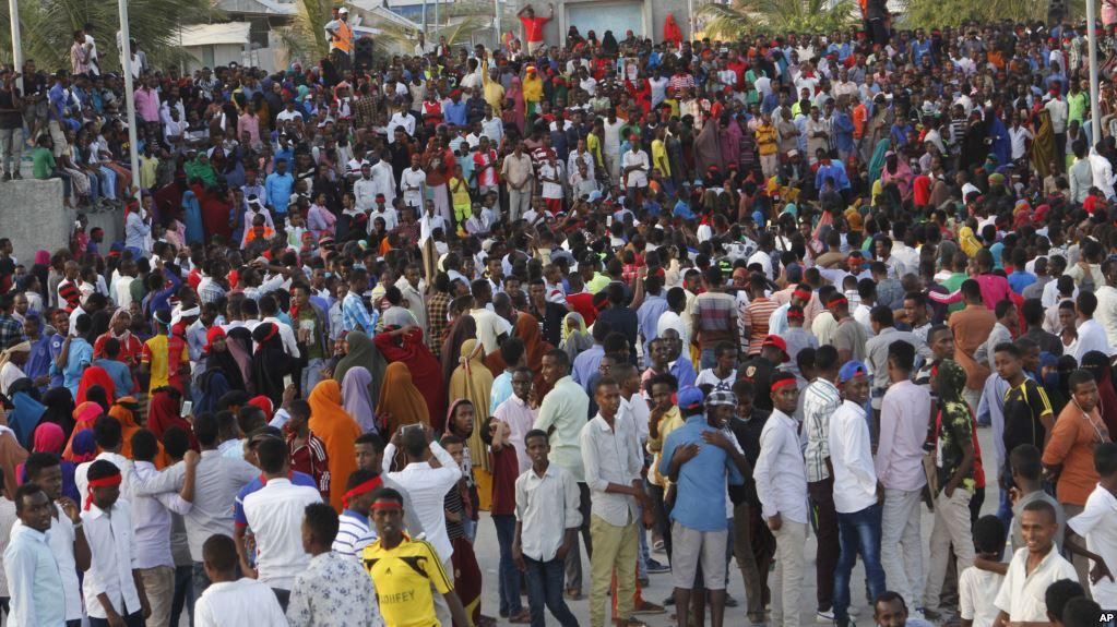 Somali'de halk hükümeti protesto etti