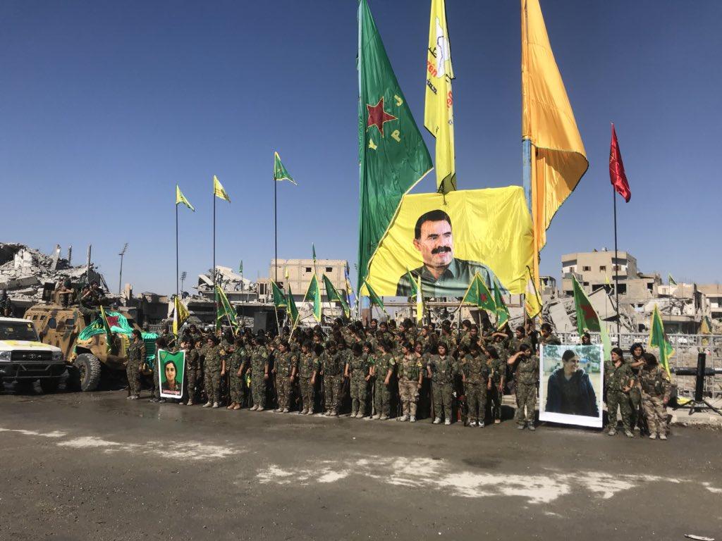 Rakka meydanında PKK ritüeli: Masum kanlar Öcalan'a sunuldu