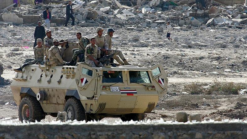 'Sisi karşıtı İslamcı grup' Mısır ordusunu pusuya düşürdü: 52 ölü