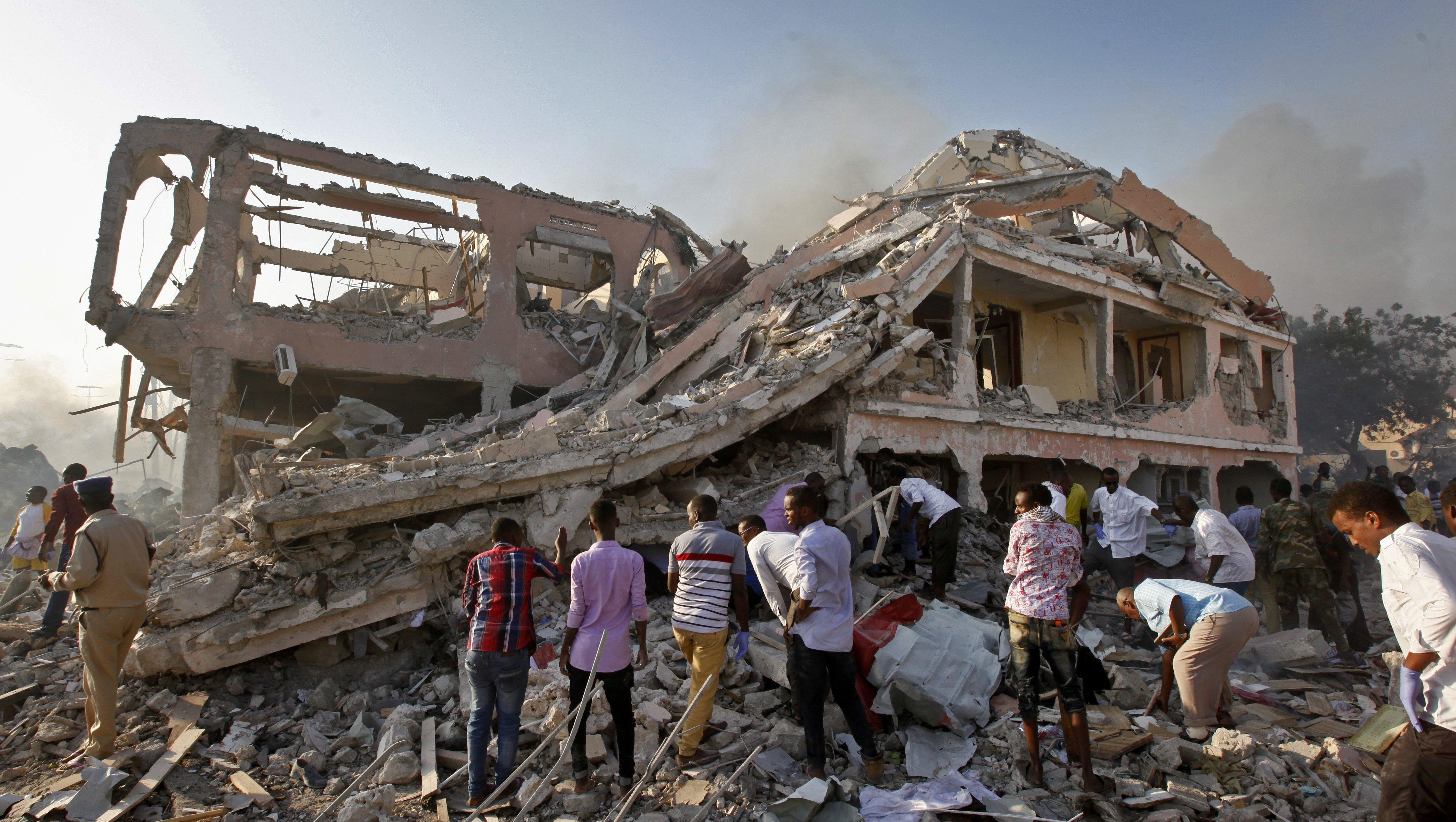 Somali'deki saldırıda ölü sayısı 350'yi aştı