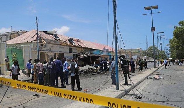 Somali'de bir bombalı saldırı daha: Hedefte siviller var