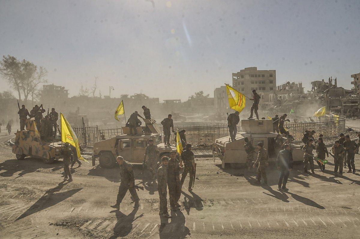 PKK şimdi de Rakka'da yağmaya başladı