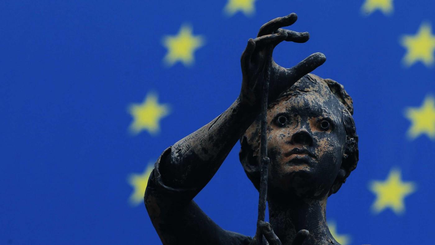 """""""Avrupa Birliği 2040'a kadar dağılabilir"""""""