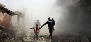 Rusya İdlib'de mülteci kampını vurdu: 15 ölü