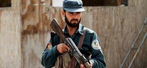 Afganistan'da Taliban 'içeriden' vurdu: 30 ölü