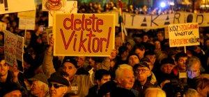 Macaristan'da başlayan gösterilerde halkın talepleri artıyor