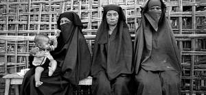 Gitmek mi zor kalmak mı?: Bangladeş hükümeti Arakanlıları cezalandırıyor