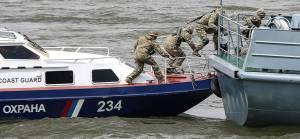 Denizde gerginlik: Rusya iki Kuzey Kore gemisini alıkoydu