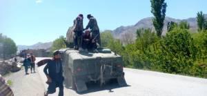 Afganistan: Taliban üç büyük kenti kuşattı