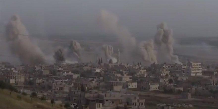 Rusya ve  Esed rejimi Han Şeyhun'da sivil yerleşimleri bombalıyor