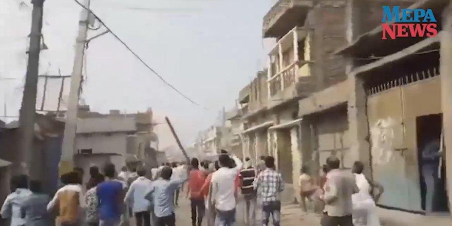 Hindu aşırılıkçı mafya Müslümanlara saldırdı