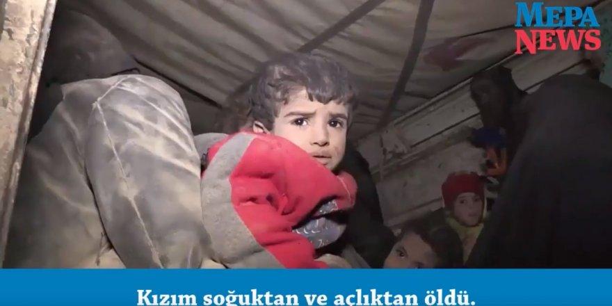 Suriyeli siviller ABD bombardımanı altındaki IŞİD'in elindeki son bölgeden kaçıyor