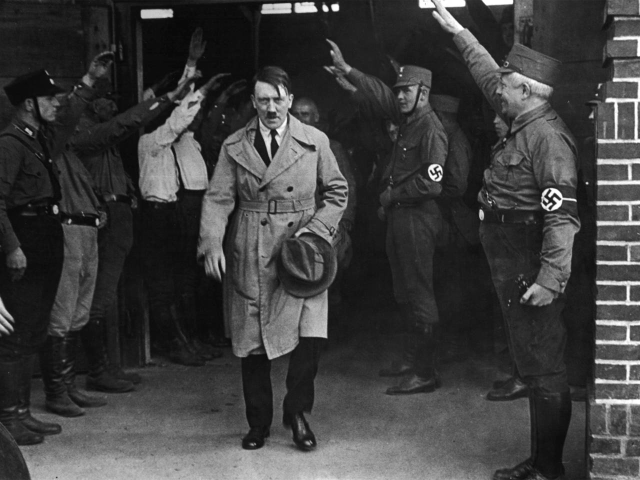 an overview of the birth of nazism and the role of adolf hitler in 1920s